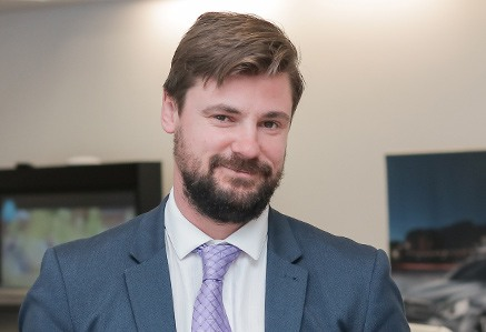 Josh Kingcott Mercedes-Benz Sales